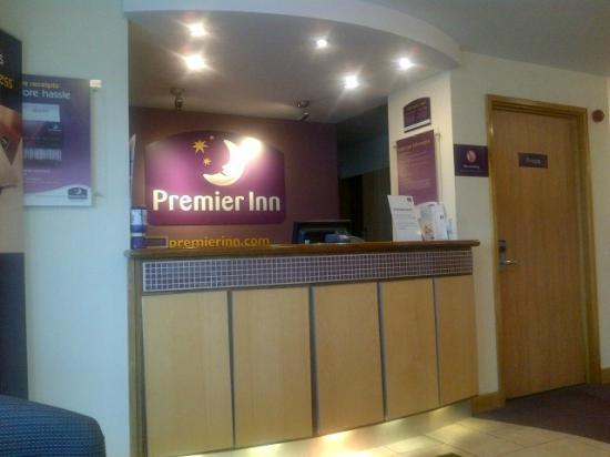 Premier Inn London Twickenham East Hotel: Reception