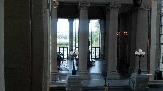 Missouri History Museum: View of the MacDermott Grand Hall