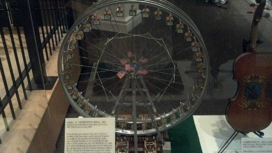 Missouri History Museum: Model of the Ferris Wheel at the 1904 World's Fair