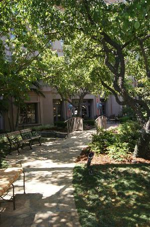 The Langham Huntington, Pasadena, Los Angeles: Inner courtyard