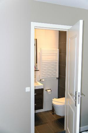 TownHouse-Inn: Bathroom