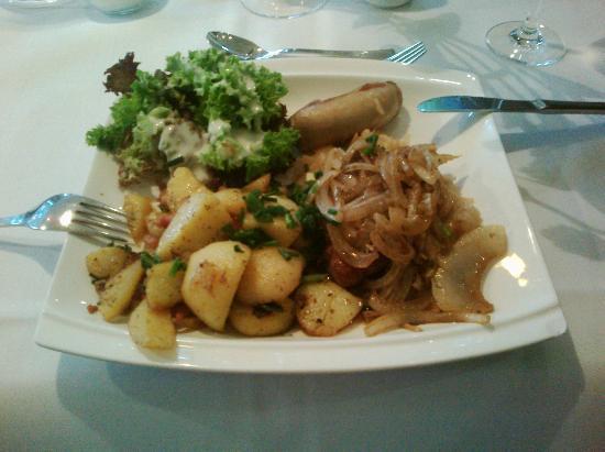 Hotel Kaiserin Augusta: GrillSchmaus, tastes very good