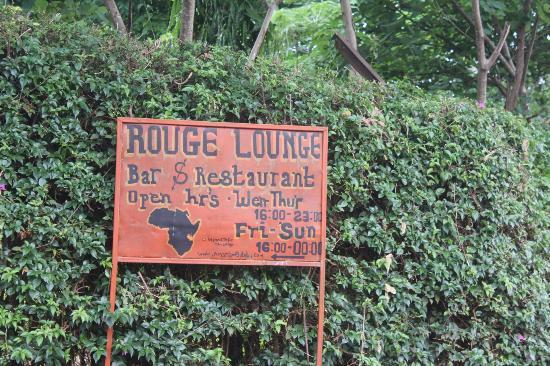 Amans Paradise Hotels : Skylt vid grinden till hotellet