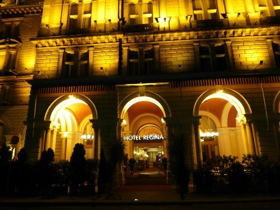 Hotel Regina: FACHADA DEL HOTEL