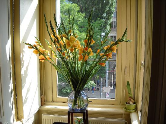โฮเต็ลมิวเซียมซิชท์: fiori nella sala