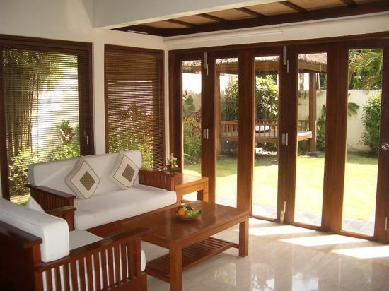 Balibaliku Beach Front Luxury Private Pool Villa: parte della villa dove ci portavano la colazione