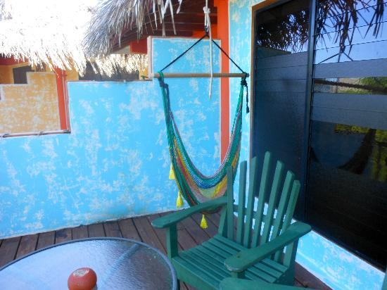 Robert's Grove Beach Resort: Hammock swing on the balcony
