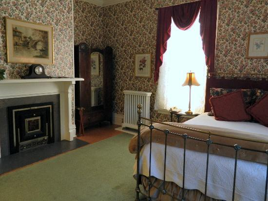 The Willard Street Inn: Room #2