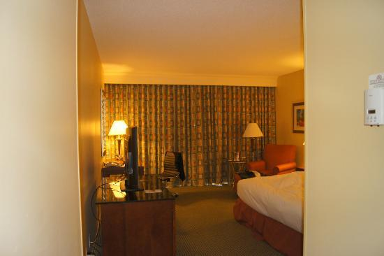 Hilton Houston Post Oak: Coming in the room!