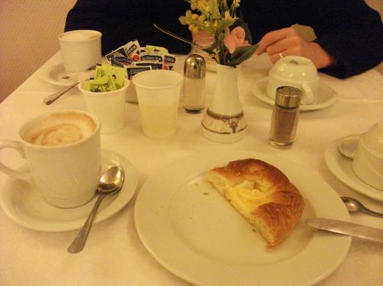 Hotel Flavia: Breakfast