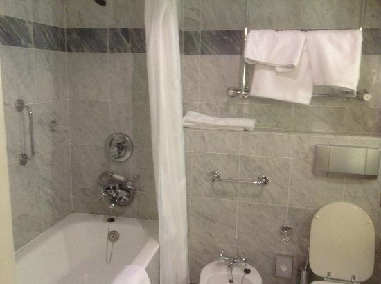 Hotel Bristol, a Luxury Collection Hotel, Warsaw: Bathroom