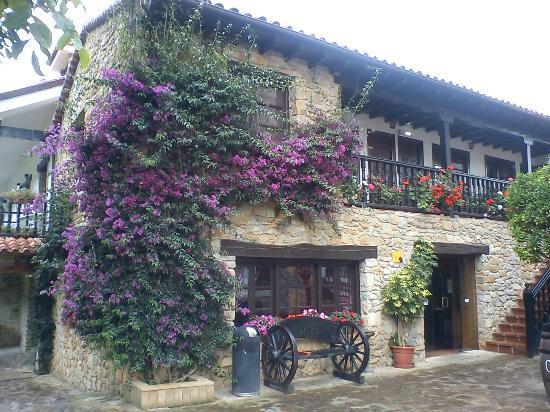 Hosteria El Pomar : Fachada del hotel