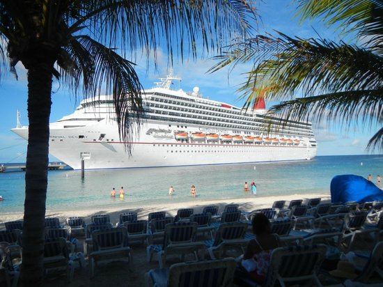 Grand Turk: great pic of water