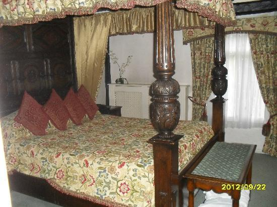 Marygreen Manor Hotel: Bridal suite