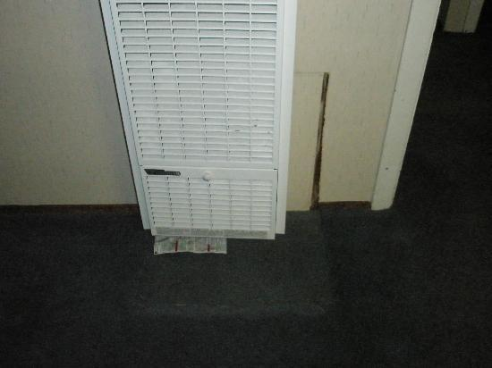 Whispering Pines Motel : 'New' Air con system