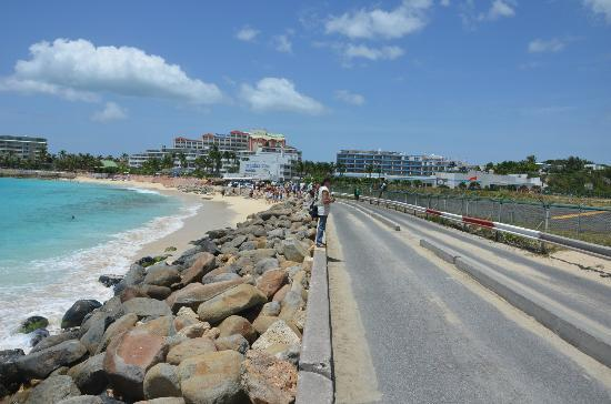 Maho Beach with Royal Islander Club La Plage in backgound