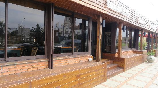 Hotel Bahía: Nuevo acceso Restó.