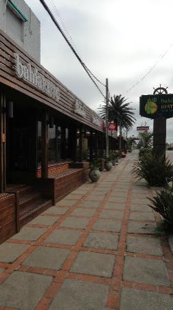 Hotel Bahía: Nueva fachada.