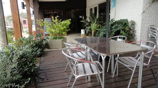 Hotel Bahía: Deck.