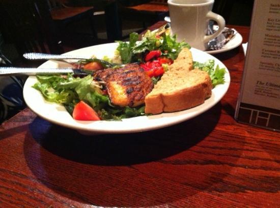 Upstream Brewing Company - Old Market Restaurant : Blackened Salmon Salad