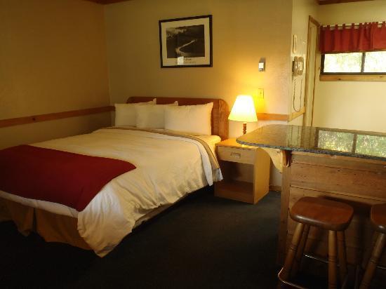 Pony Express Motel: Bed