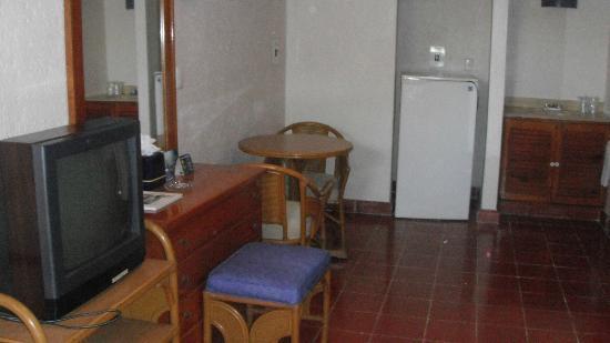 Suites Colonial: habitacion con cocineta