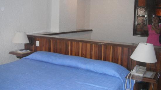 Suites Colonial: habitacion con su cocineta
