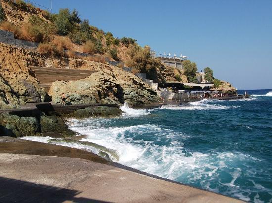 ذا بننسولا هوتل: View from the lower beach bar. 