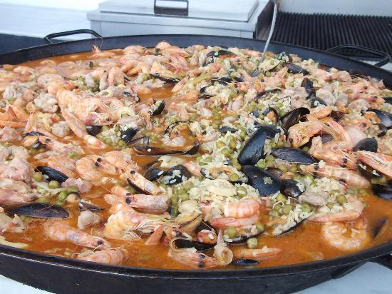 Peninsula Resort & Spa: Paella.