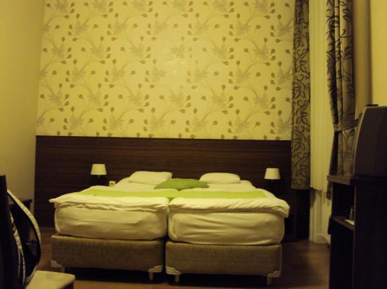 Hotel Elit: Twee persoonsbed