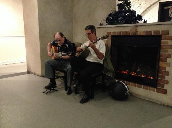 Dancing Greek Taverna : The two fellows playing great Greek music