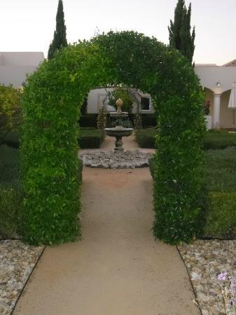 Vale d'Oliveiras Quinta Resort & Spa: hotel gardens