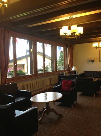 Hotel Jungfrau: Lounge
