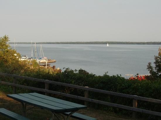 Seagull Bay Motel: Great view of Madeline Island