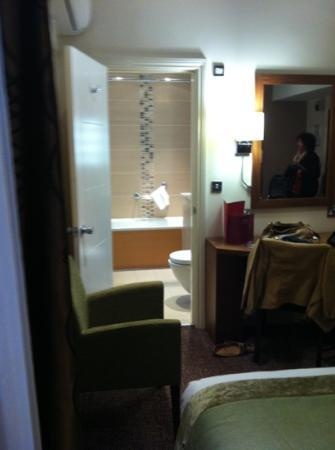 Mercure London Bloomsbury: chambre 418