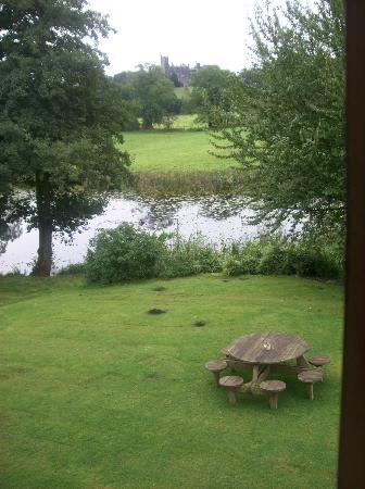 Abbey Farm Bed and Breakfast: View from the superior room over lake and Merevale Hall