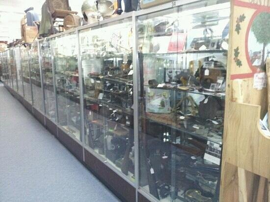 The Antique Center of Gettysburg: The in side.
