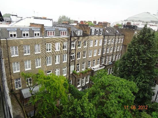 K+K Hotel George: vista do quarto