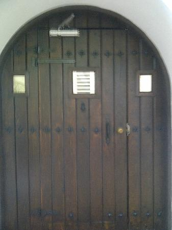 At Wind Chimes Boutique Hotel: Remember the BIG wooden door? This is it!