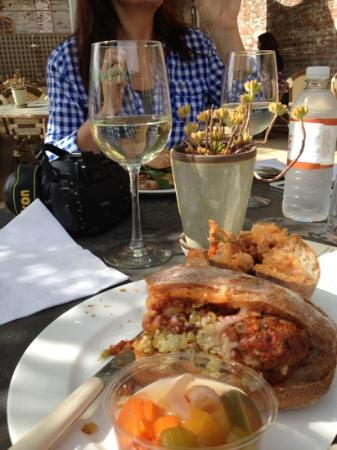Napa Style Cafe: meatball panini