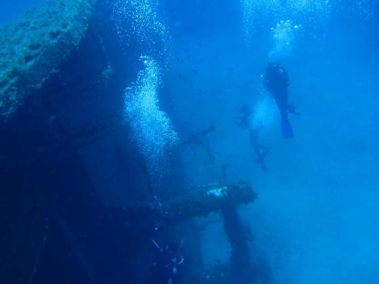 GoDive Mykonos PADI Diving Resort: Anna II shipwreck