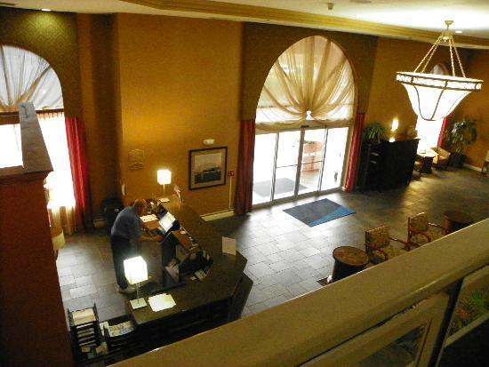 Holiday Inn Express & Suites Bradenton West : LOBBY