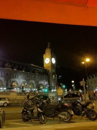 Hotel Terminus Lyon: vue d'une chambre