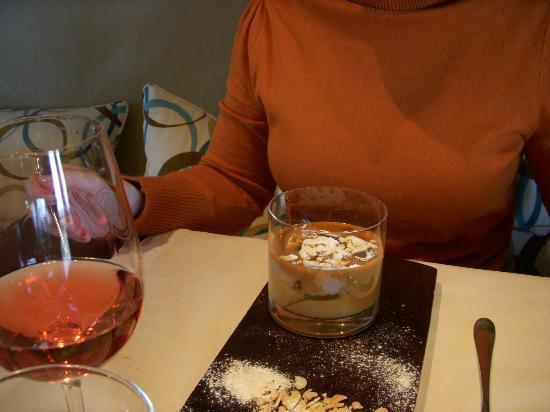 La Bourgogne: Dulce de leche dessert. Divine!