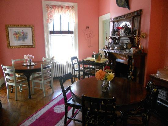 Fair Street Guest House: breakfast room