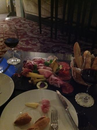 Chateau Grand Barrail: cheese and meat platter