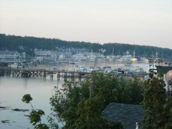 هاربوراج إن أون ذا أوشنفرونت: View of Harbor 