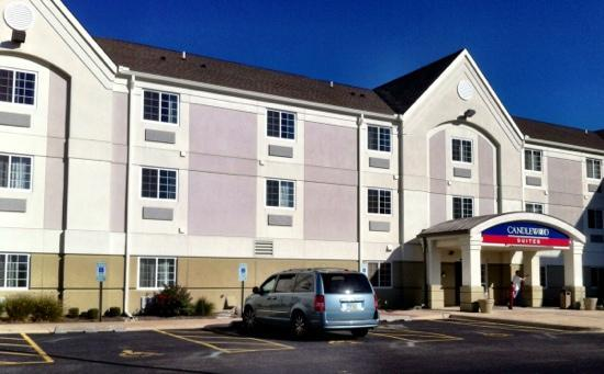 Candlewood Suites Peoria at Grand Prairie: clean spacious and modern