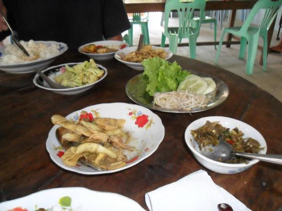 More Guest House : Local food Gwa
