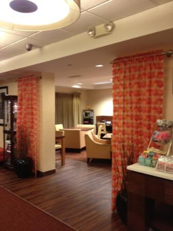 Hampton Inn Bentonville Rogers: lobby